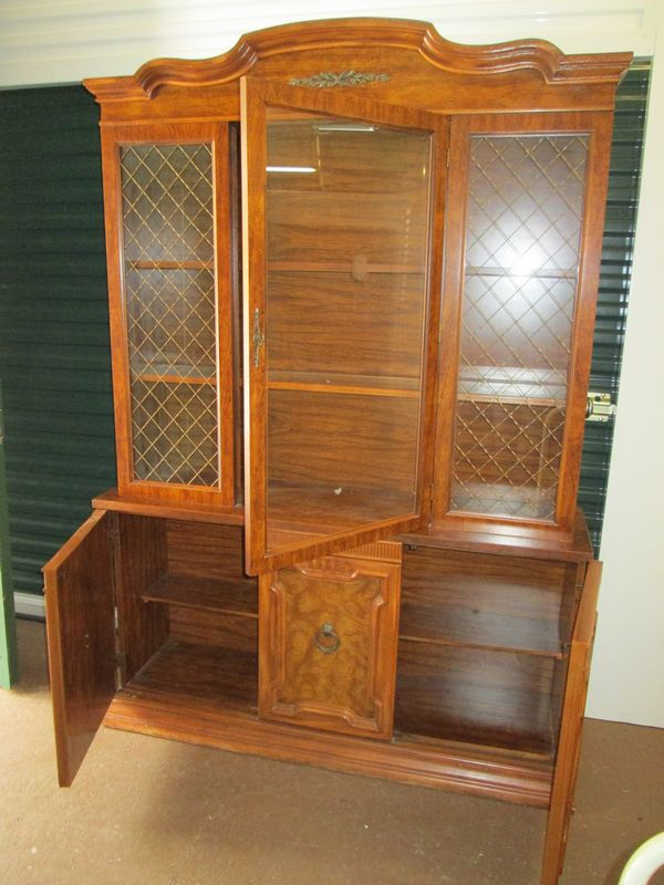 Marvelous Item # 5    Dining Room Set By Singer Furniture Division Incl 2pc Glass Top  Hutch, Oval Dining Table And Six Chairs.