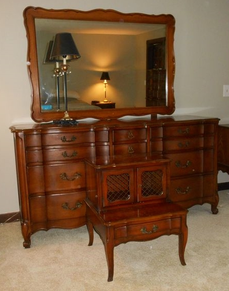 High Quality Item # 10    White Fine Furniture Of North Carolina Maple (most Likely)  Dresser W/ Attached Mirror, Matching Nightstand, Pencil Lamp.