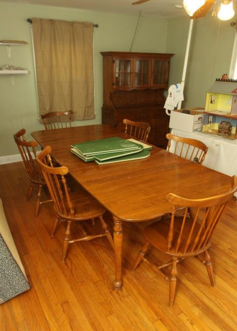 Ethan Allen American Traditional Nutmeg Maple Spoon Foot Table 10 6073 With 6 Governor Carver Chairs 21x36 6081 Made In The USA