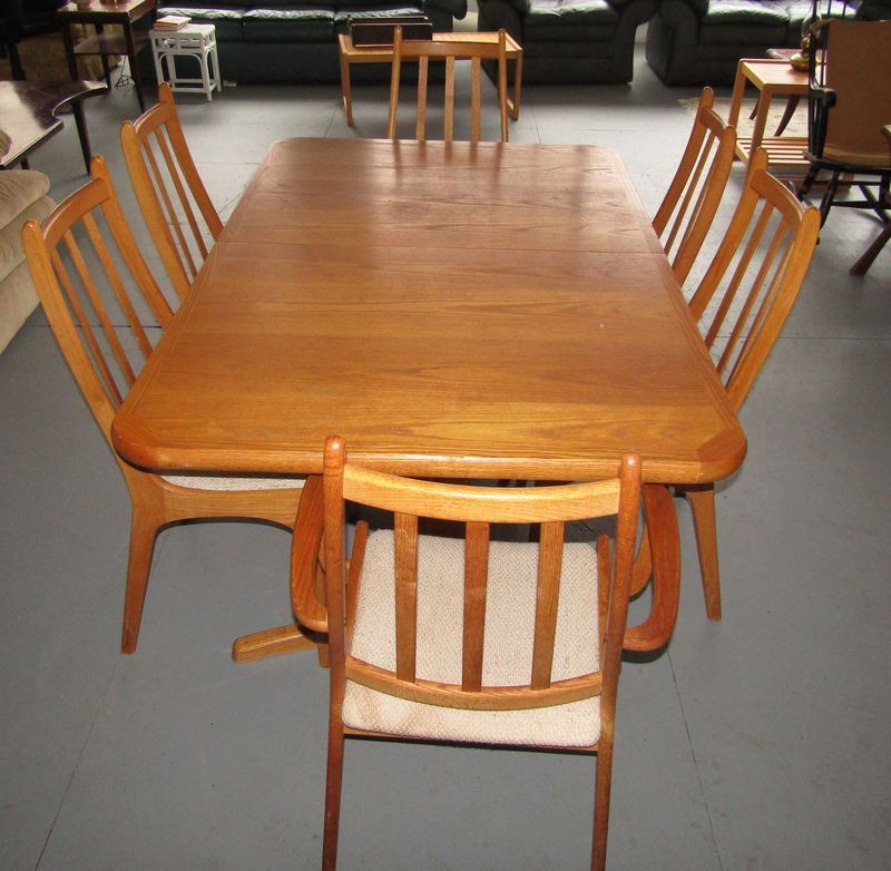 Item 8 Oak Danish Style Dining Room Table With 6 Chairs 2 Armchairs And Side Manufactured By Furniture Industries Ontario Canada