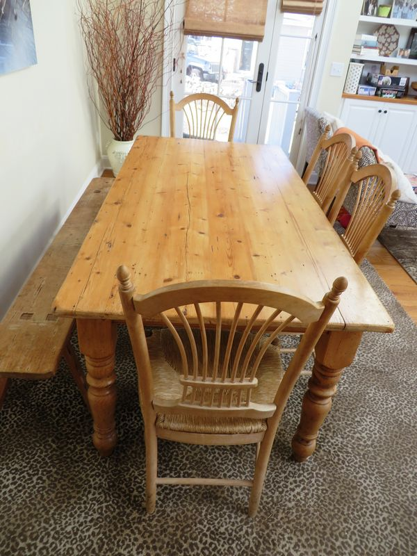 Table has distressed finish and turned legs and is 30 Hx71.75 Lx35.25 W. Wheat back chairs measure 39 Tx19 Wx17 D. Antique bench has ... & Absolute Auctions u0026 Realty