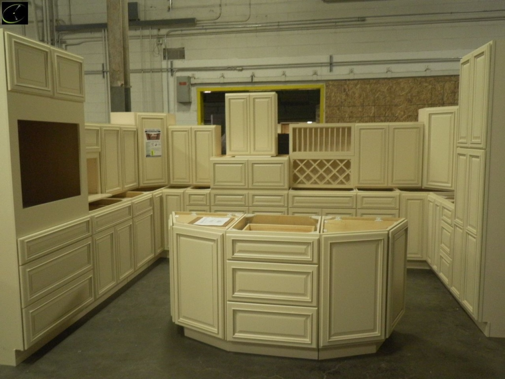 Item 5 Biltmore Pearl 10 X16 X10 Kitchen Cabinet Set Byfeather Lodge Ultimate Layout Additional Pieces Available For Order Sold By