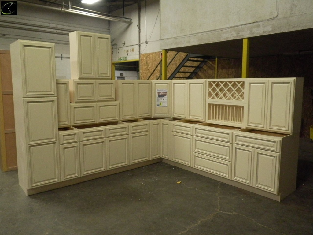 Item 7 Biltmore Pearl Kitchen Set 12 X 15 By Feather Lodge Deluxe Layout Additional Pieces Available To Order Sold Sets