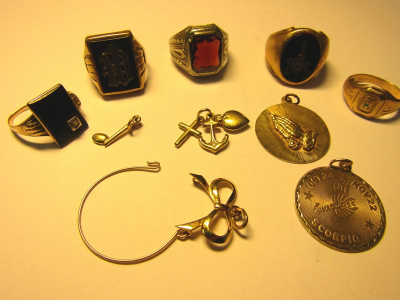 Gold Plate Brass Vintage 1940/'s Starburst Initial L Pin with Heart Charms