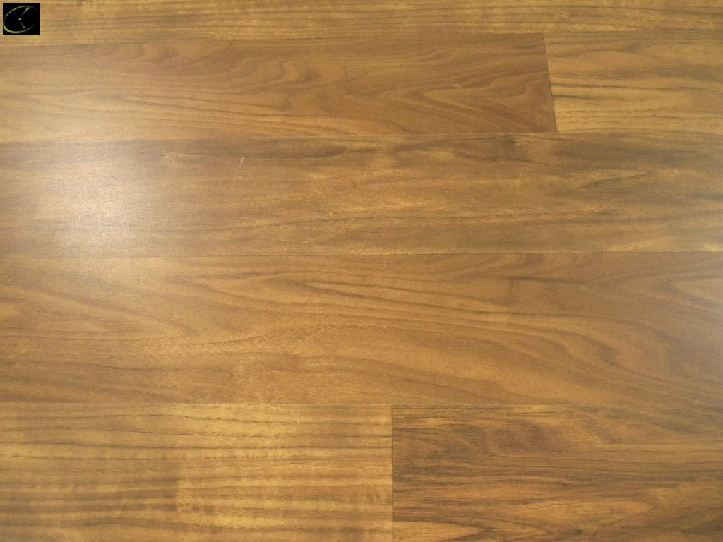 Item 23 Natural Walnut Laminate Flooring 12mmx8 X48 By Style Selection Ac3 Rating Swiftlock 32 Bo A Grade Sold Square Foot