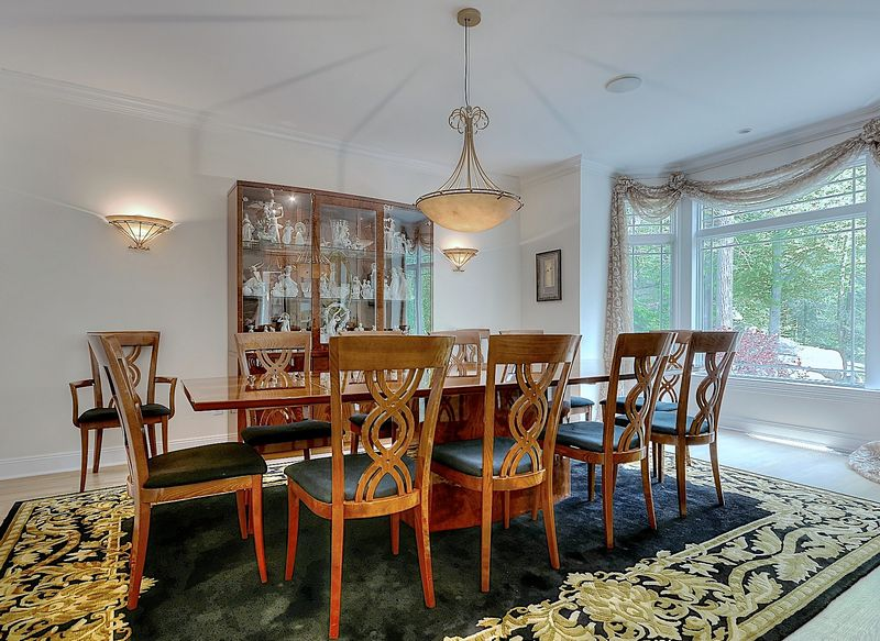 Chandelier Measures Sconces EACH Measure Contents Of A Stunning Armonk Estate Please Refer To Pictures For Condition