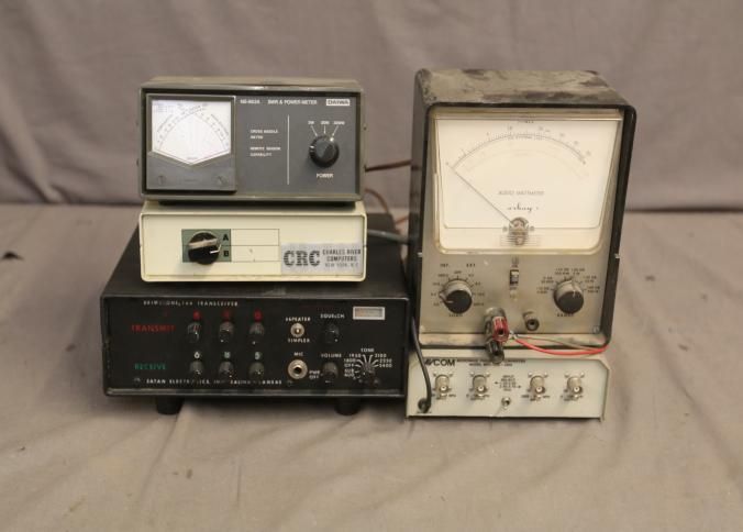 HT Instruments Ultra r/ésistant Multim/ètre num/érique TRMS jusqu/à 600/V AC//DC avec lampe LED int/égr/ée Iron m/ètres 1/pi/èce